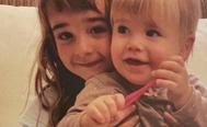 Las niñas Anna y Olivia en una foto difundida por su madre.