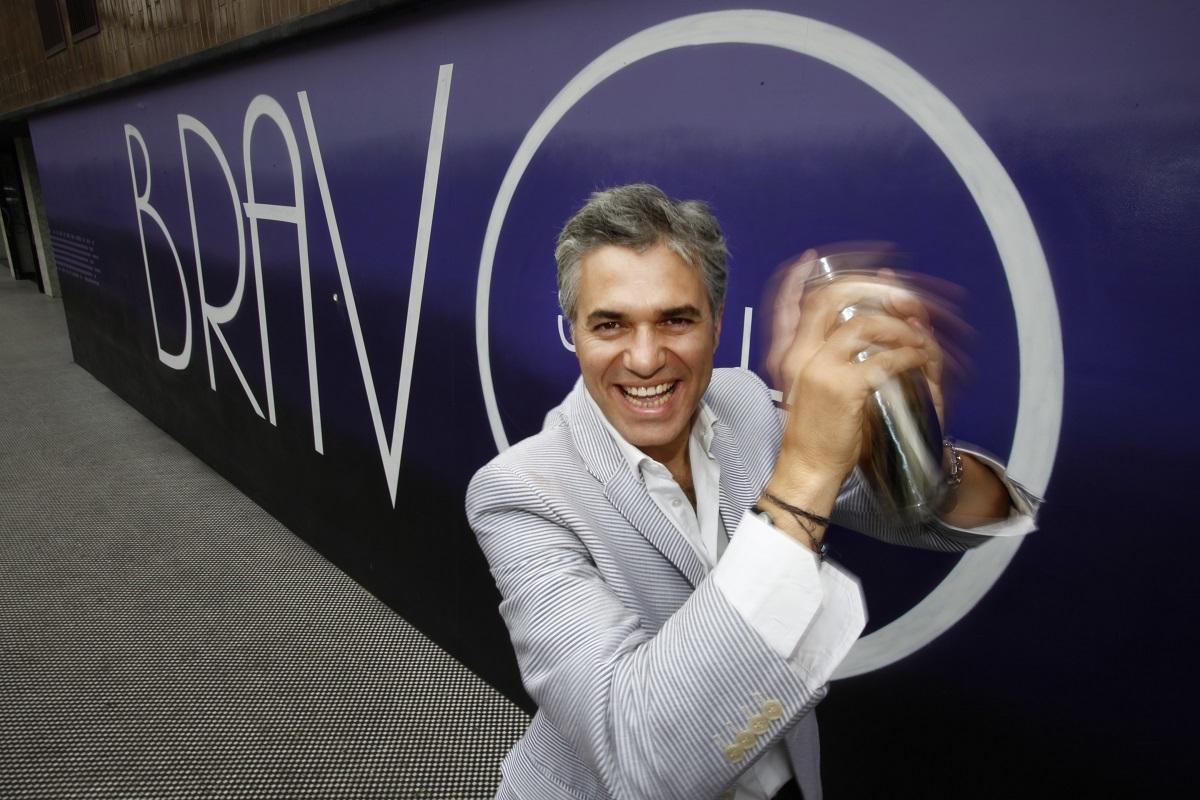 Agustín Bravo: del Telecupón a la mano negra de Pantoja en Supervivientes y ahora fichado en Telemadrid