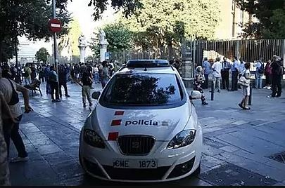 Patrulla de los Mossos, en Barcelona.