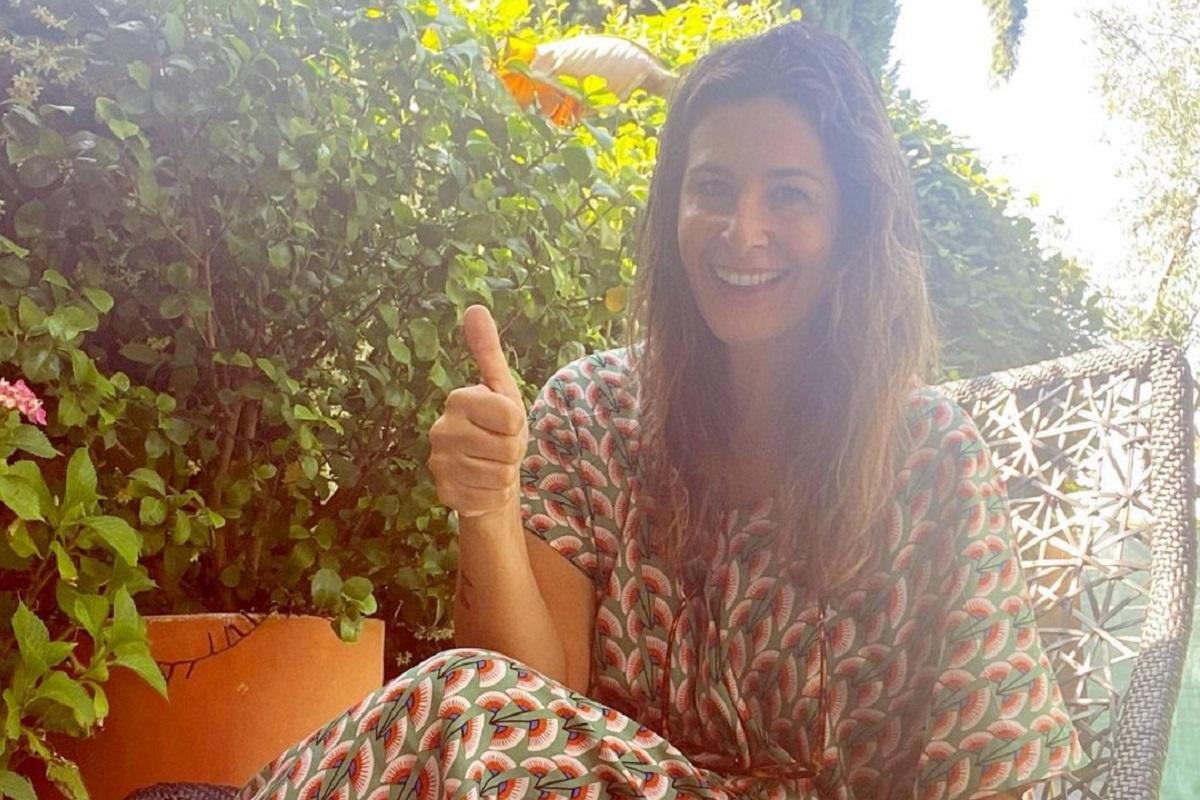 Nuria Roca recibe el alta tras ser ingresada en el hospital.