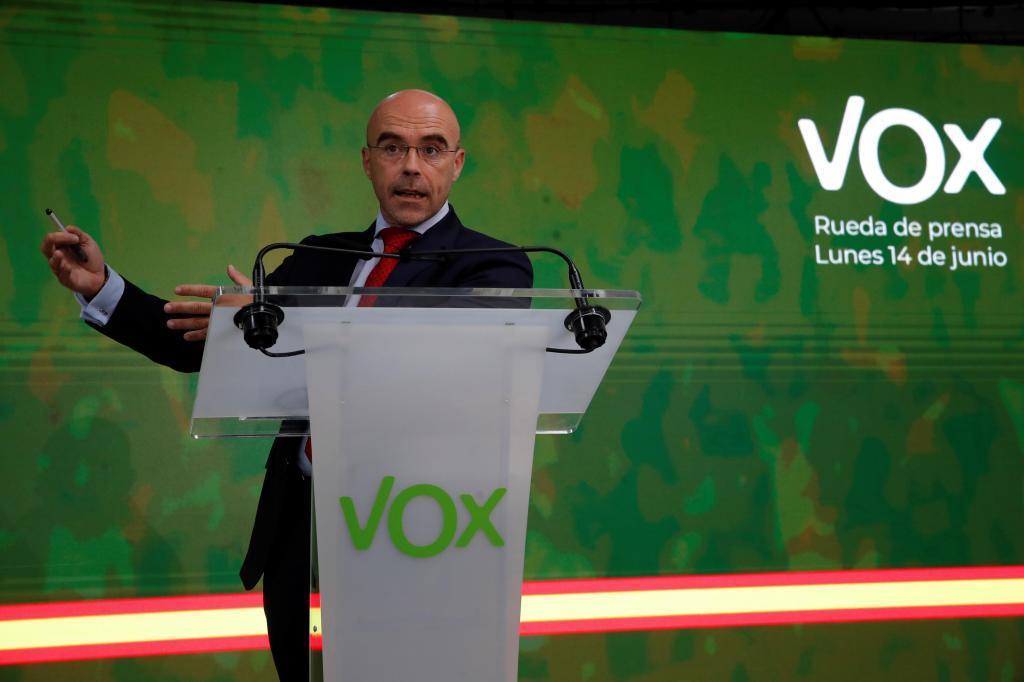 Jorge Buxadé, en rueda de prensa en la sede de Vox.