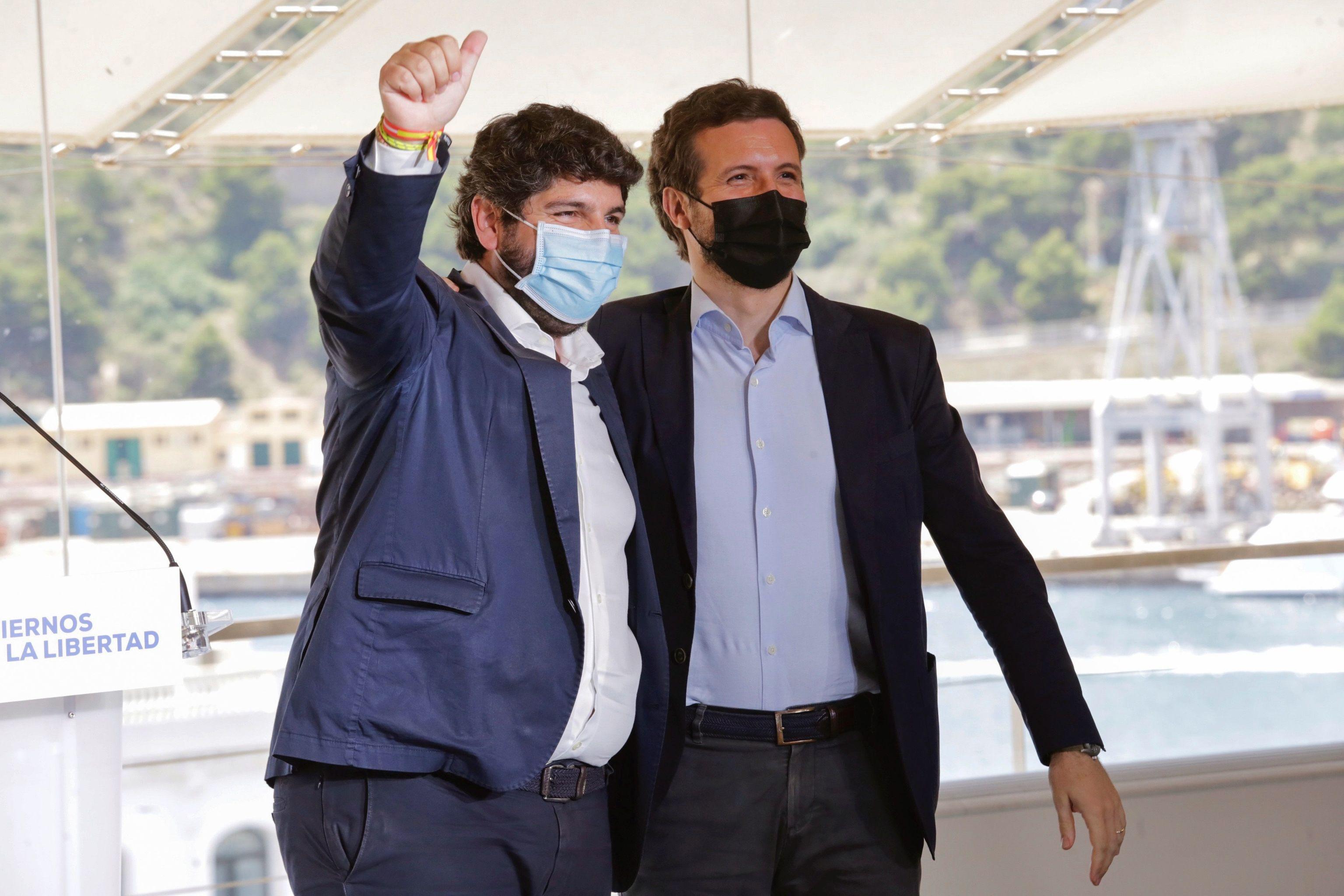 Pablo Casado y Fernando  López Miras.