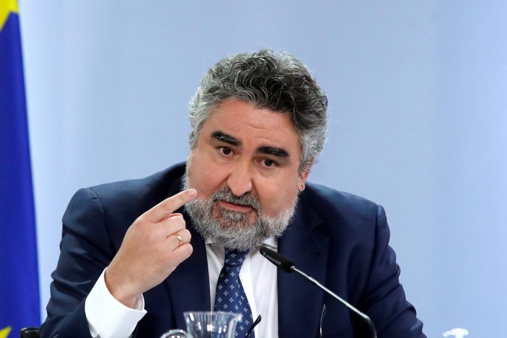 José Manuel Rodríguez Uribes, esta mañana, tras el Consejo de Ministros.