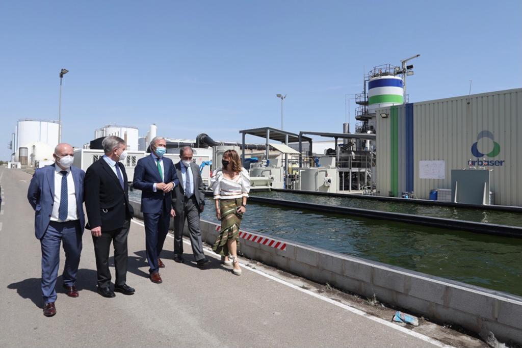 El alcalde y comitiva visitan el Centro de Tratamiento de Residuos Urbanos de Zaragoza