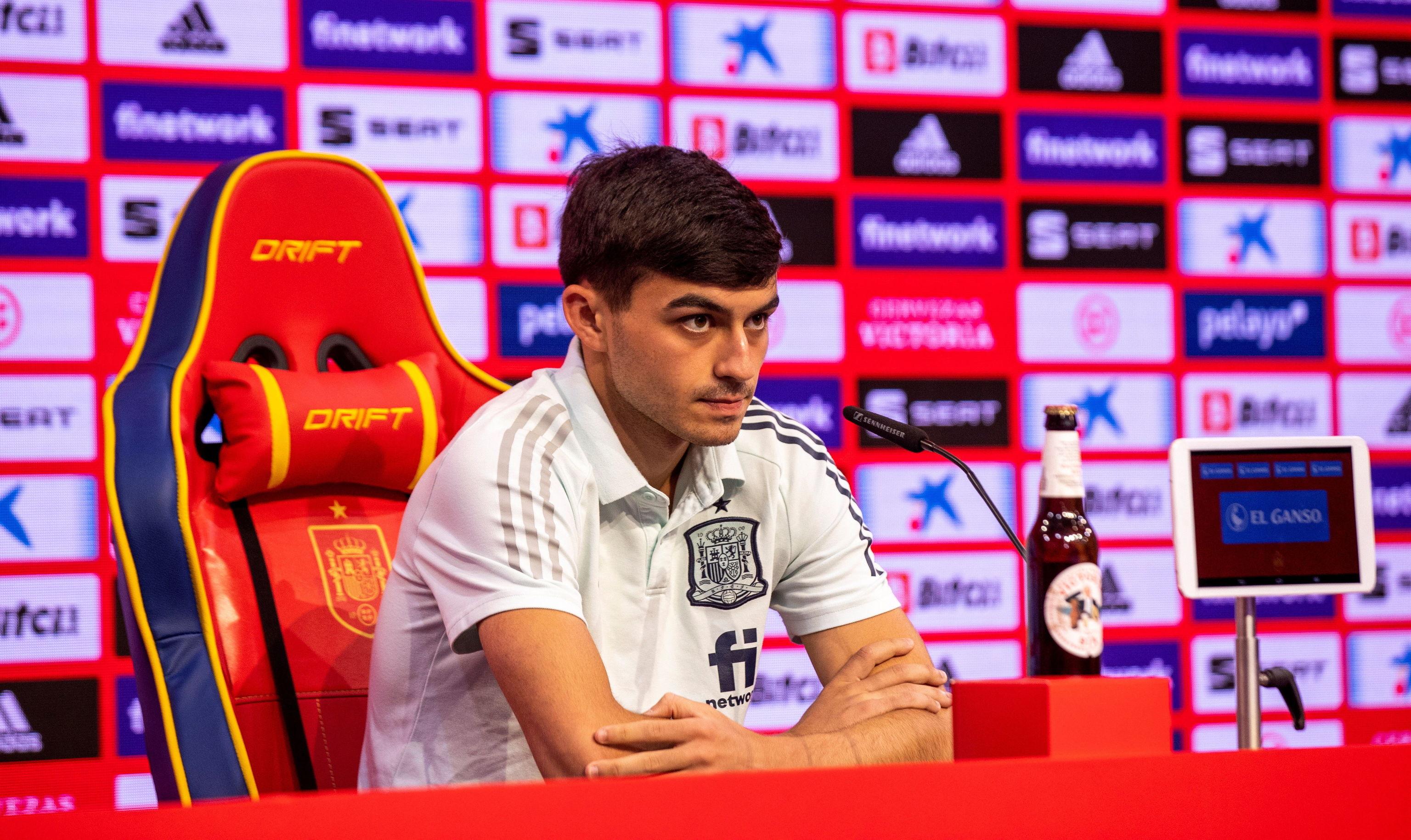 Pedri, durante la rueda de prensa de la selección.