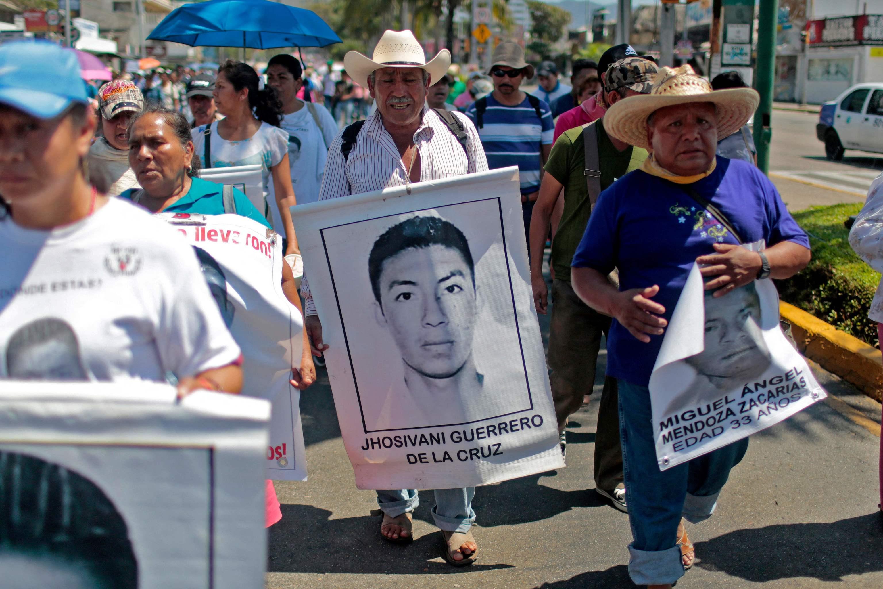 Imagen de archivo de una protesta de familiares de los estudiantes desaparecidos en 2014.