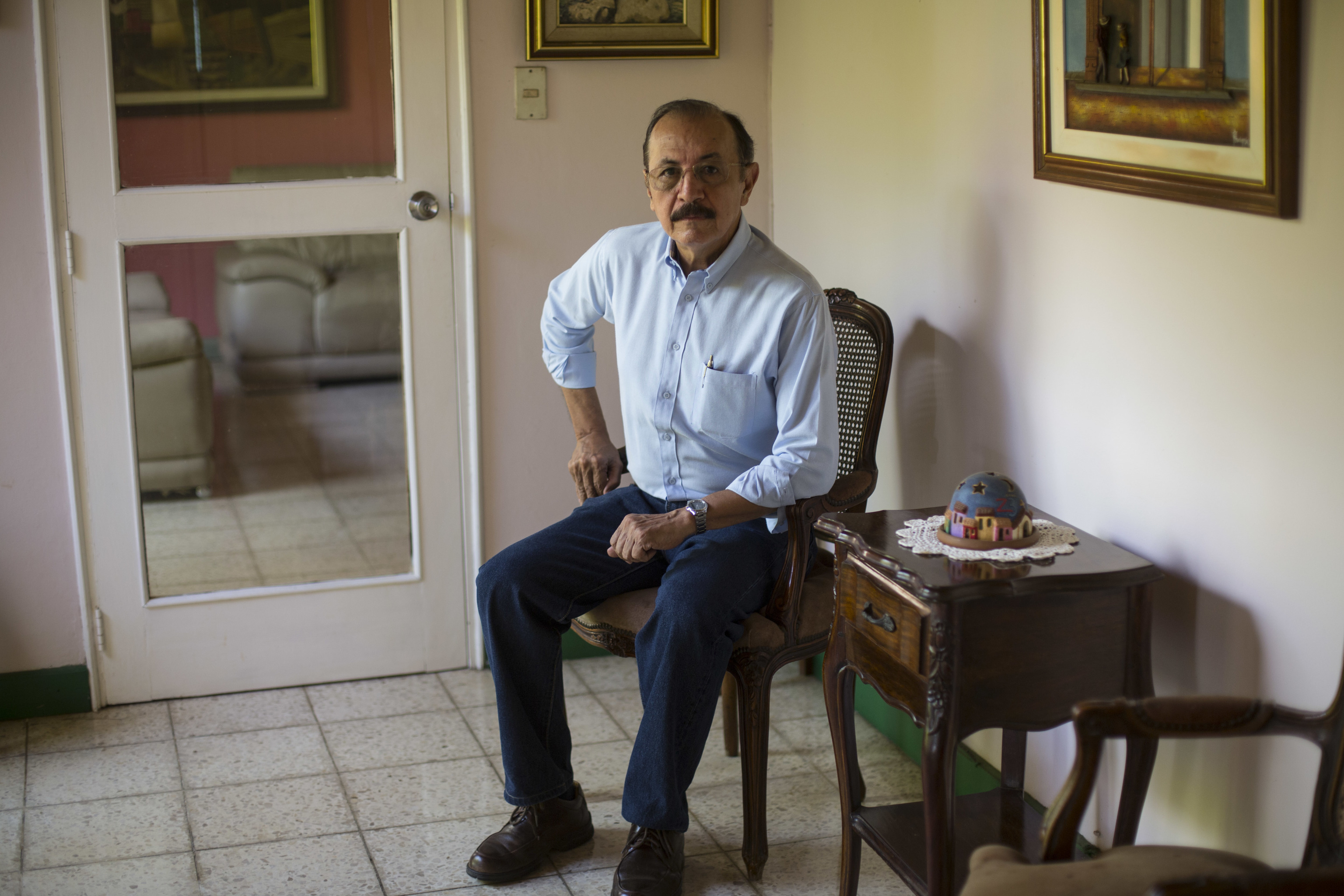 Hugo Torres en su casa, en una imagen de archivo.