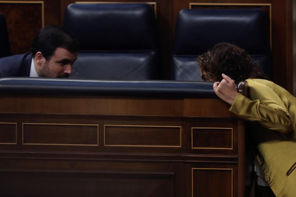 El ministro de Consumo, Alberto Garzón, y la ministra de Hacienda, María Jesús Montero.