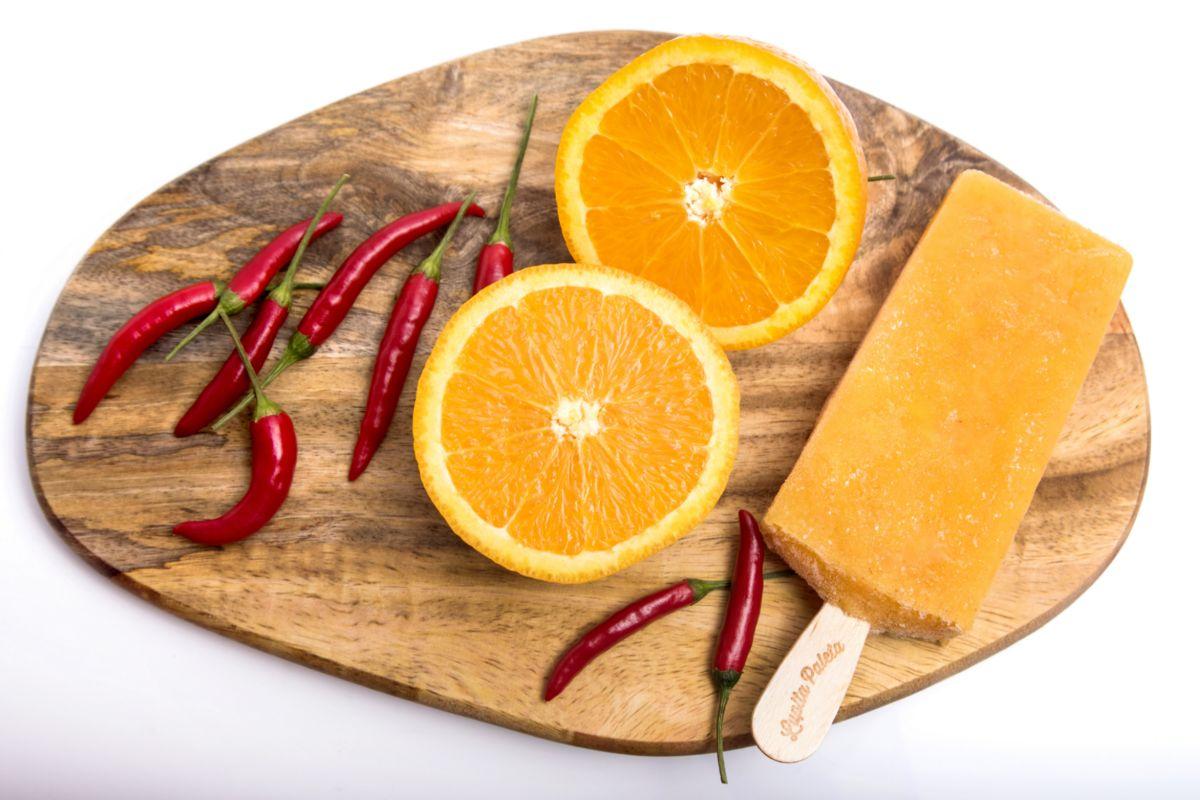 De naranja y chile, en Lupita Paleta.