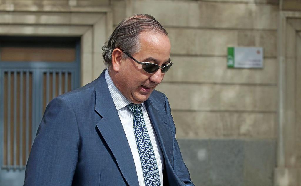El juez Juan Gutierrez Casillas, encargado del caso Invercaria, a la salida de los juzgados.