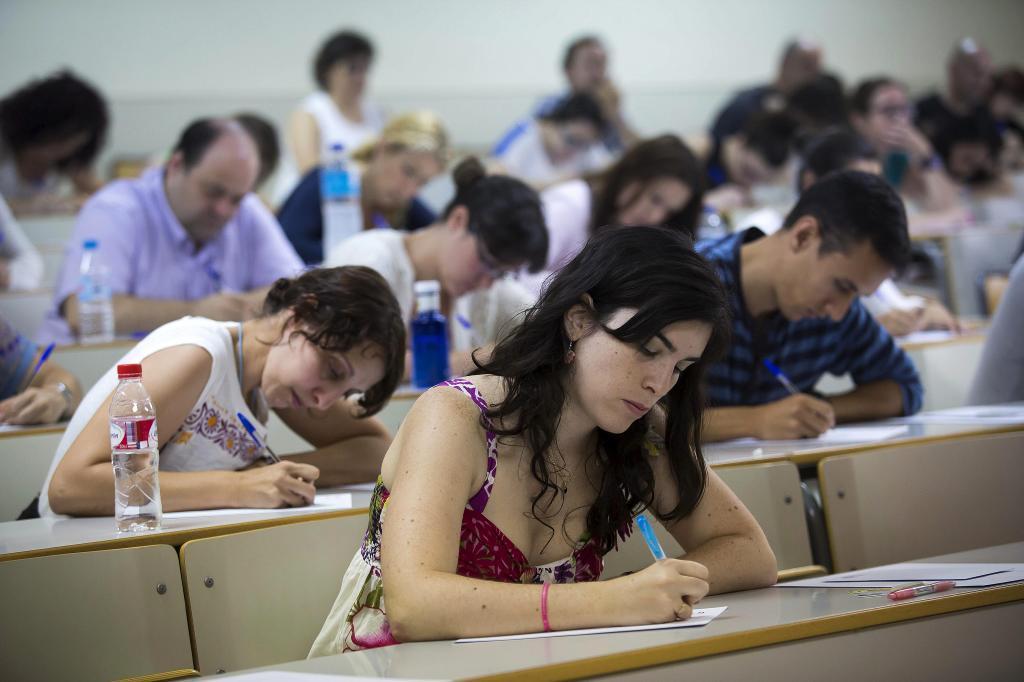 Aspirantes en oposiciones a profesores de Secundaria en Andalucía.