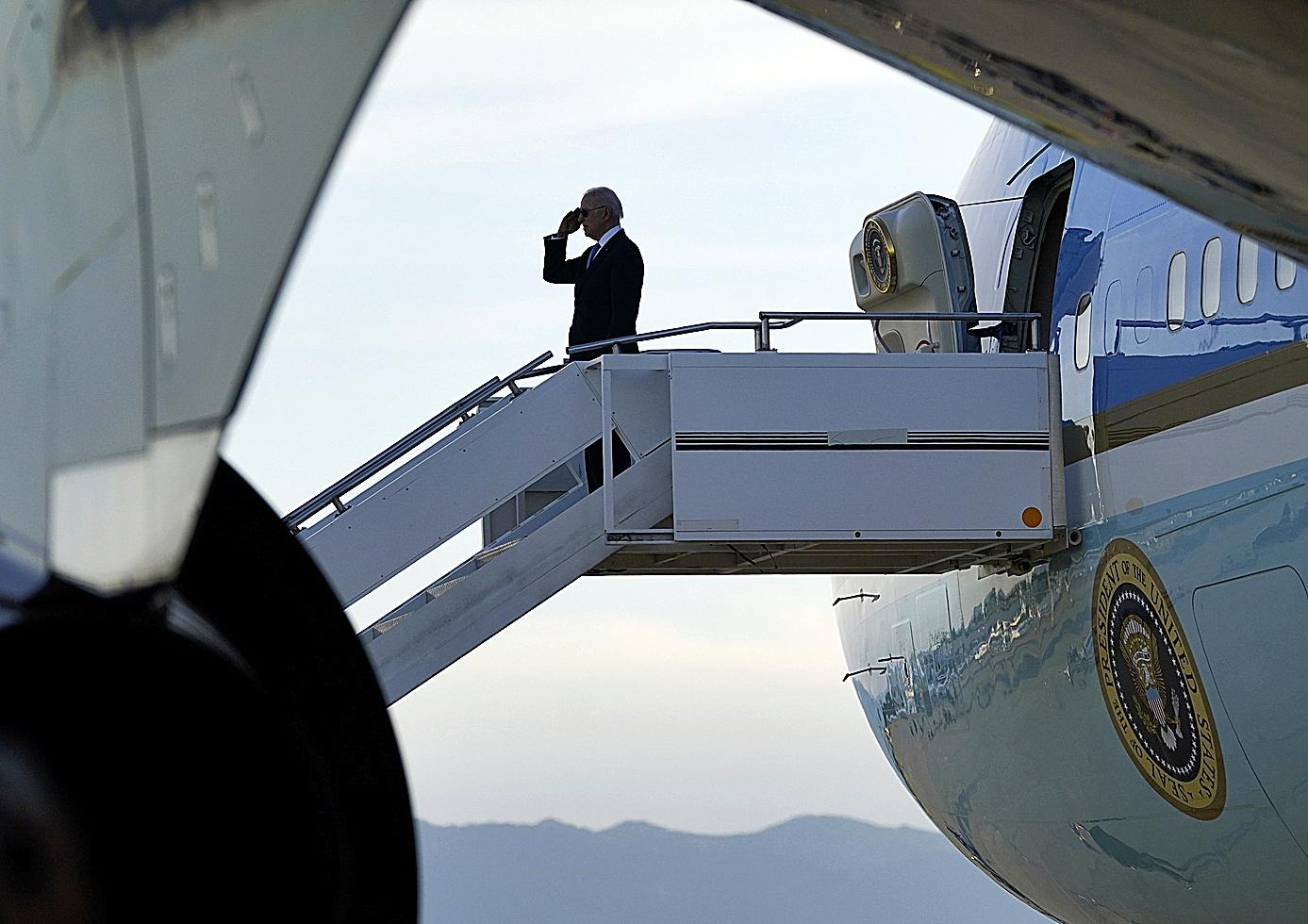 Joe Biden se despide antes de regresar a EEUU.