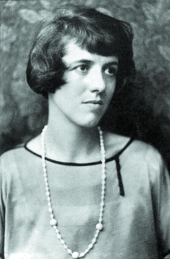 Enid Blyton, de joven.