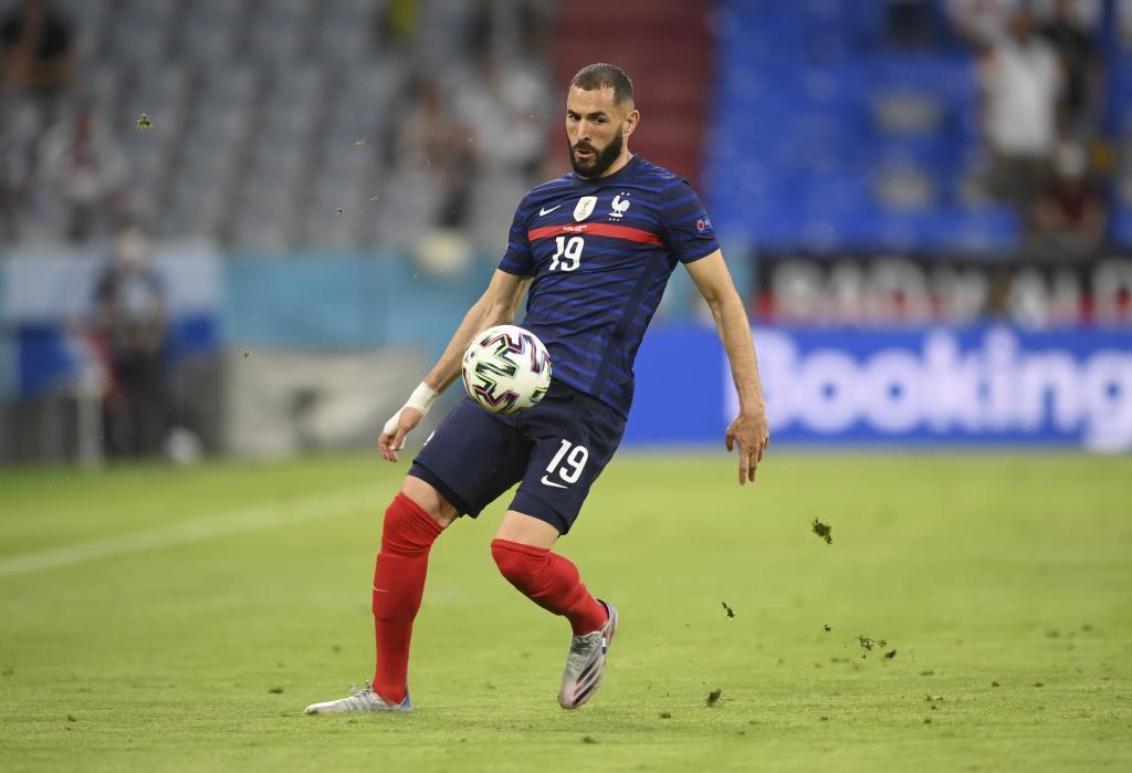 Karim Benzema en un partido de la Eurocopa.
