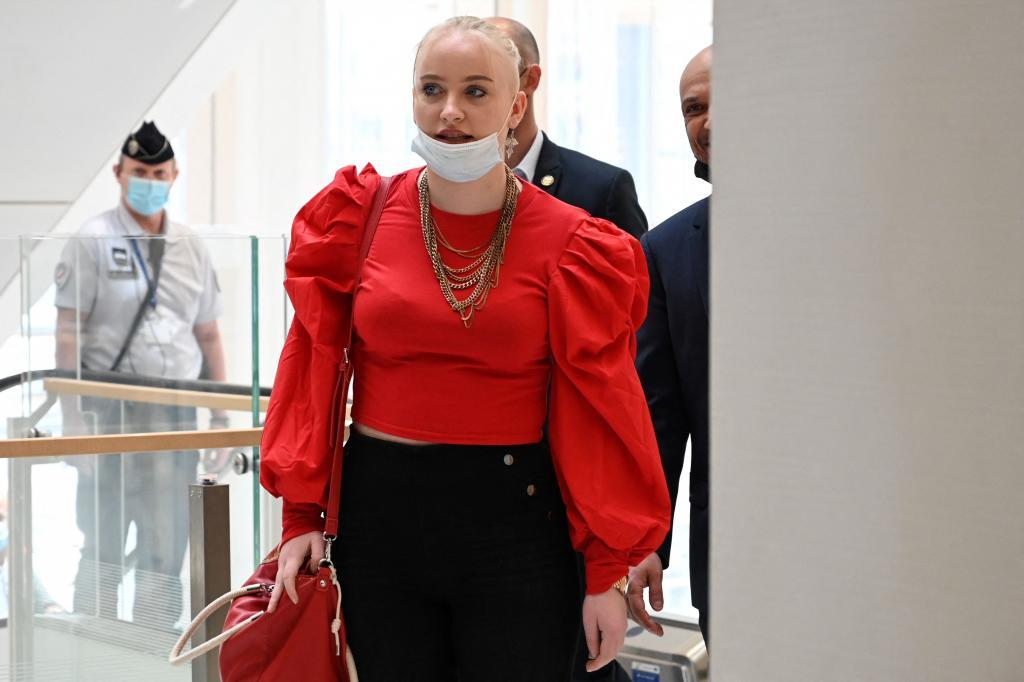 Mila, a su llegada al juzgado.