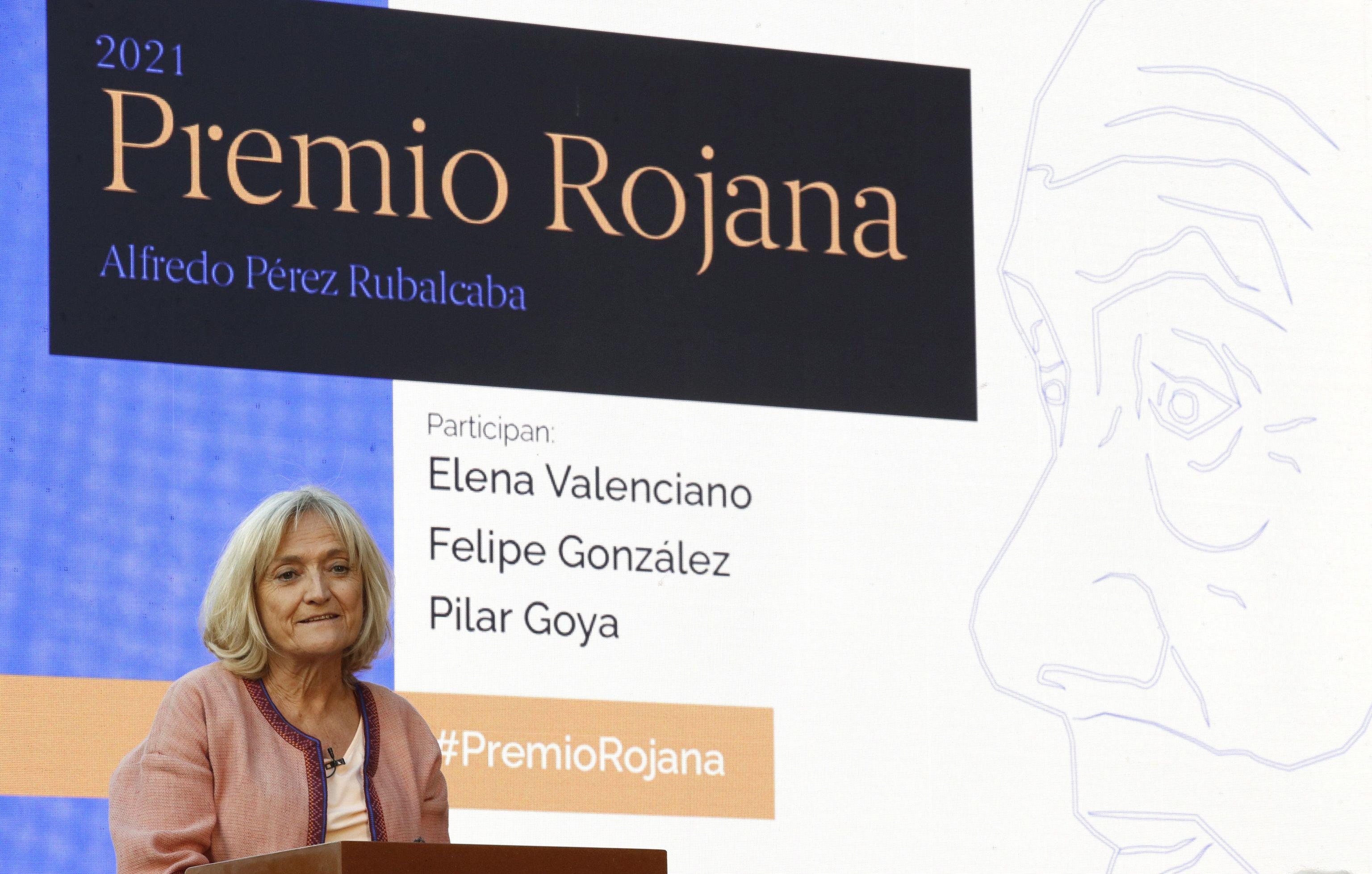 Pilar Goya, viuda de Alfredo Pérez Rubalcaba, interviene en el acto.