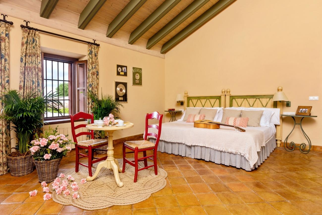 Una de las habitaciones en la hacienda.