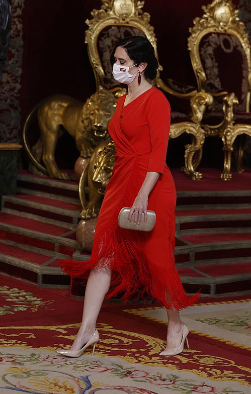 Flecos y silueta wrap para la cena de Estado en el Palacio Real.