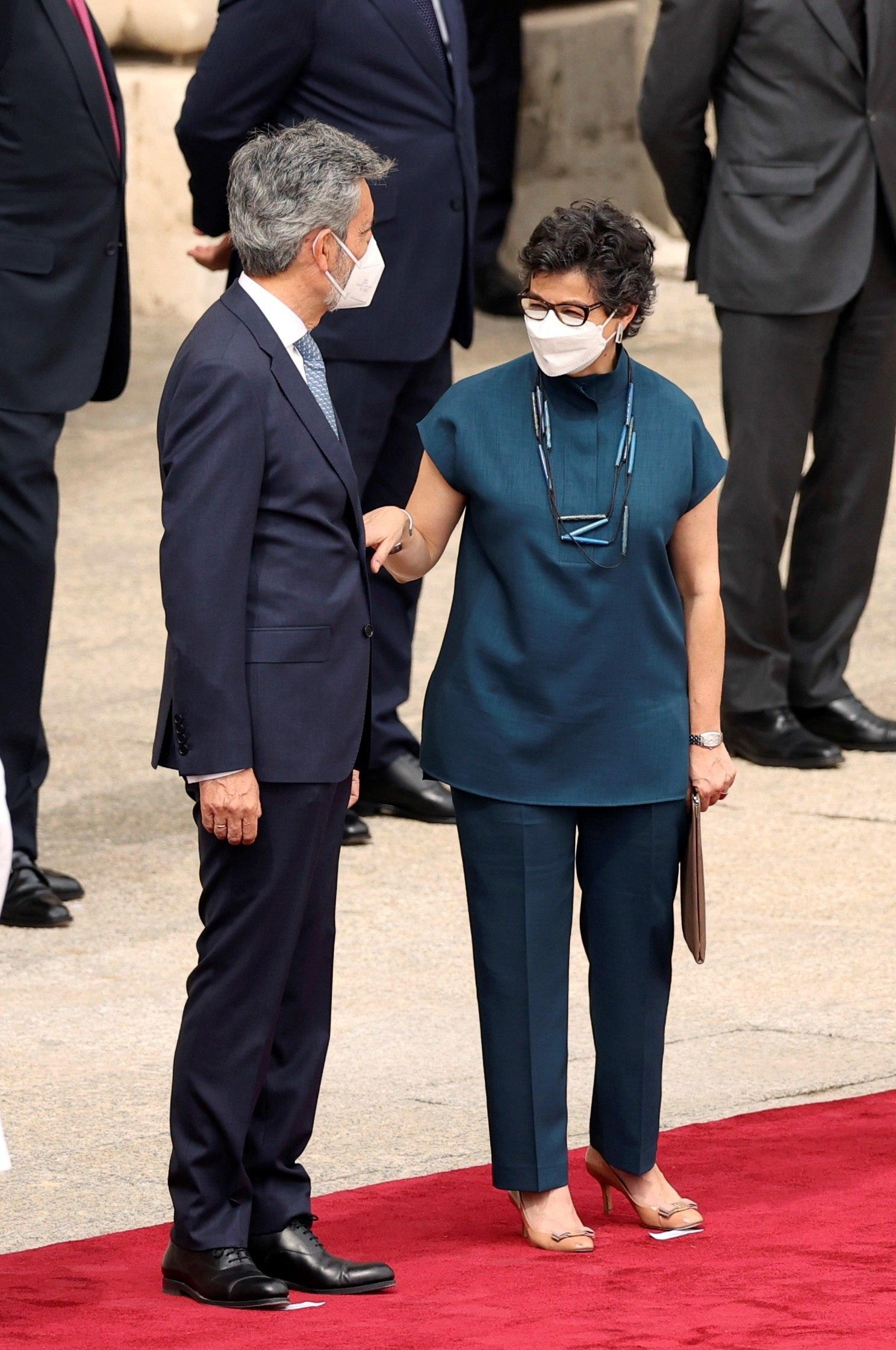 La ministra de Exteriores, Arancha González Laya, con el presidente del CGPJ, Carlos Lesmes.