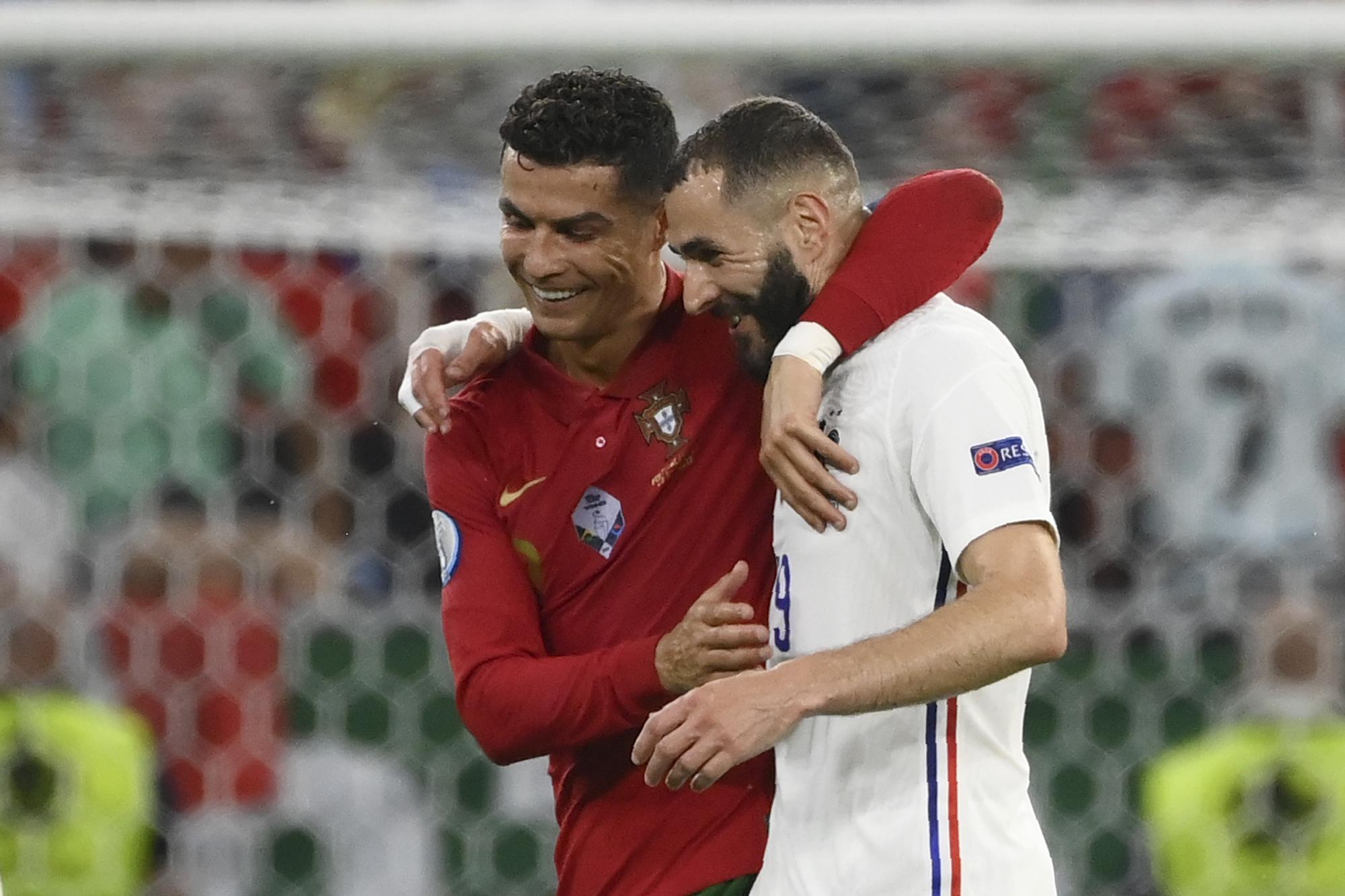 Cristiano y Benzema, durante el partido.