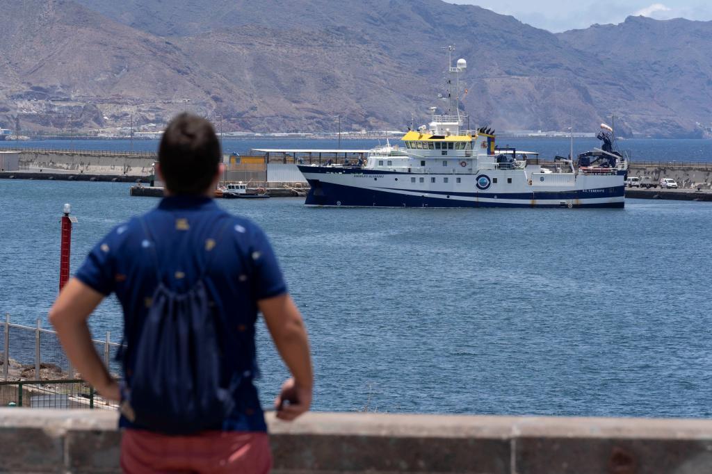 El buque del Instituto Español de Oceanografía 'Ángeles Alvariño', en Tenerife.