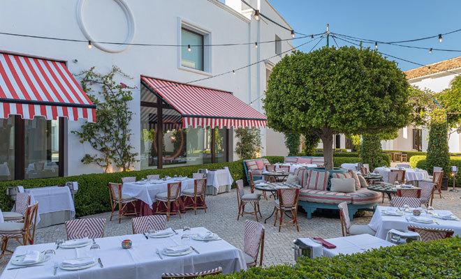 Terraza del restaurante Don Giovanni, con su nueva imagen.