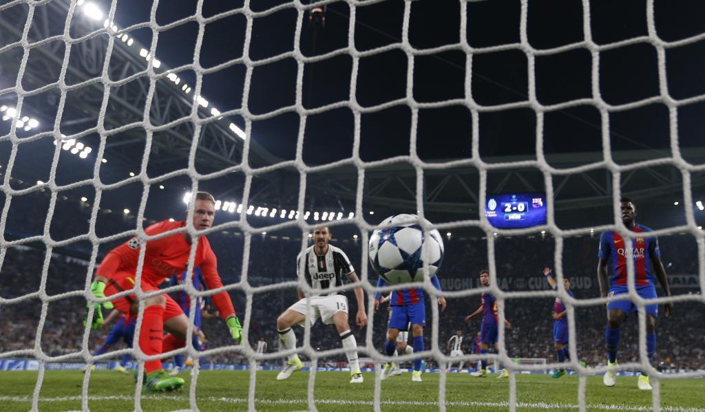 Un gol de Chiellini al Barça, en los cuartos de la Champions de 2017.