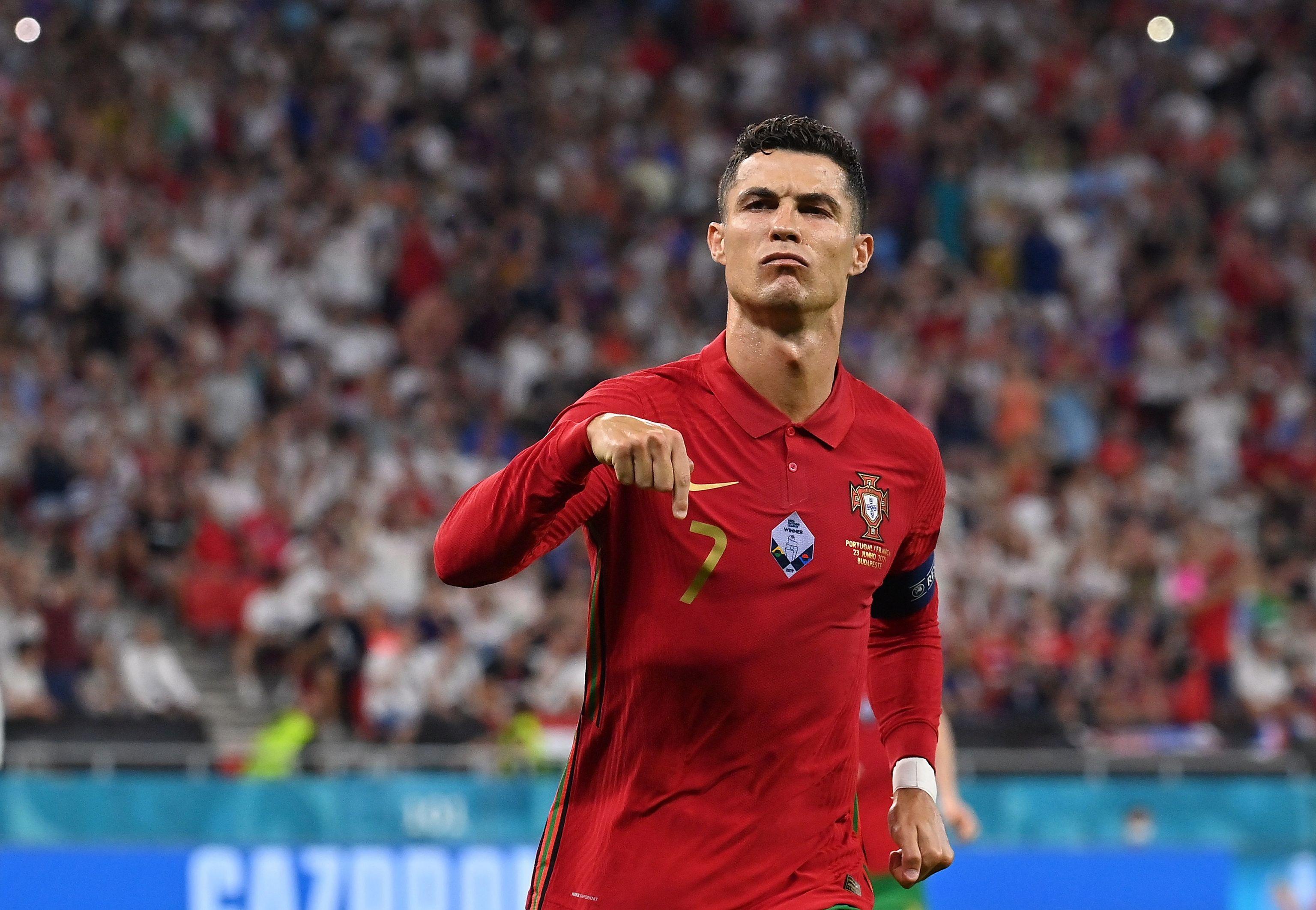 Cristiano celebra el primero de sus dos goles contra Francia