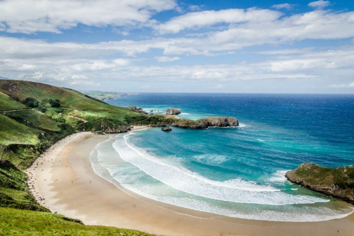 Preciosa playa asturiana de Torimbia.