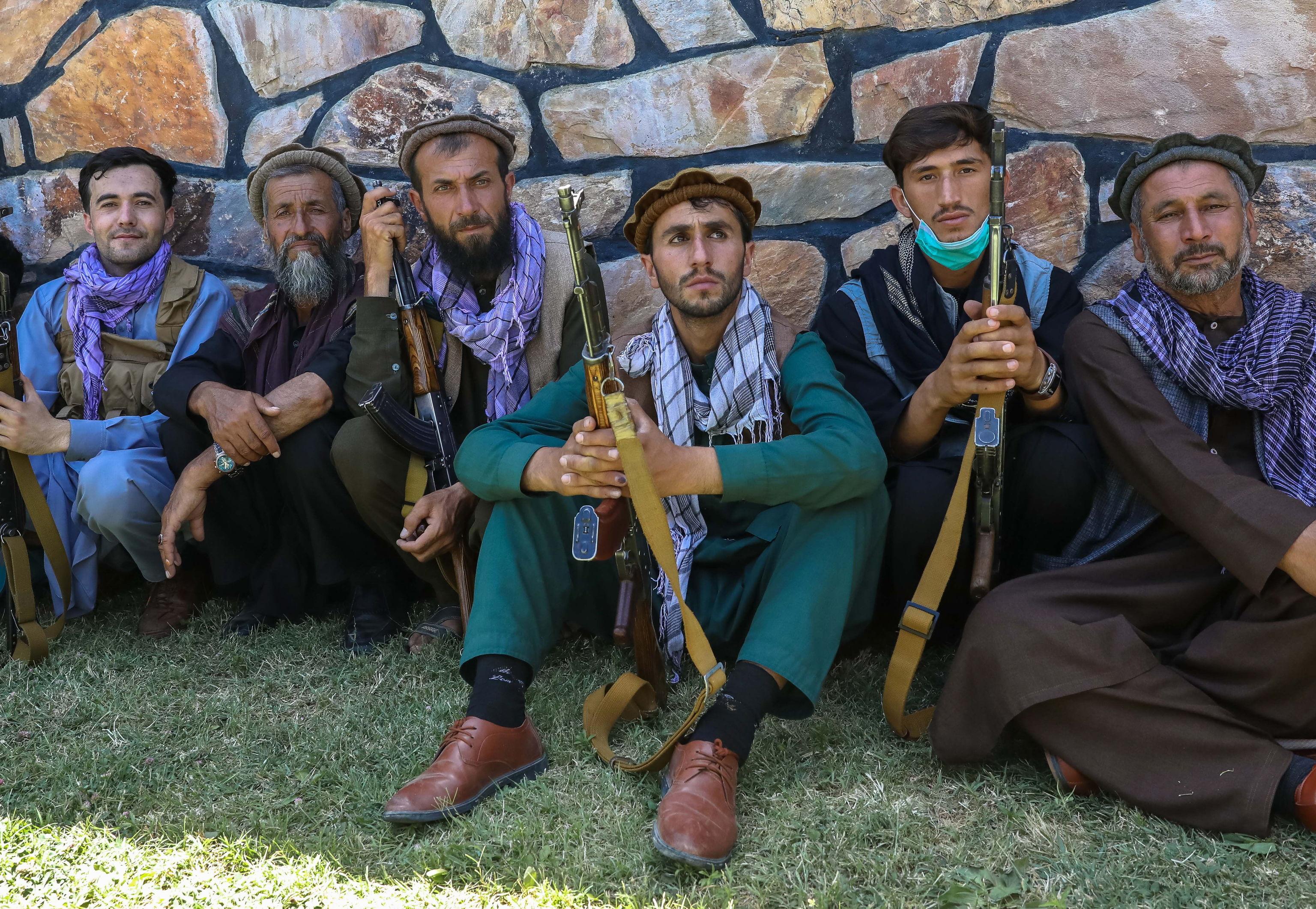 Afghan civilians armed to defend their regi