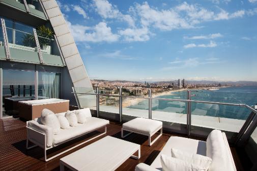La espectacular terraza de una suite en el hotel W de Barcelona.