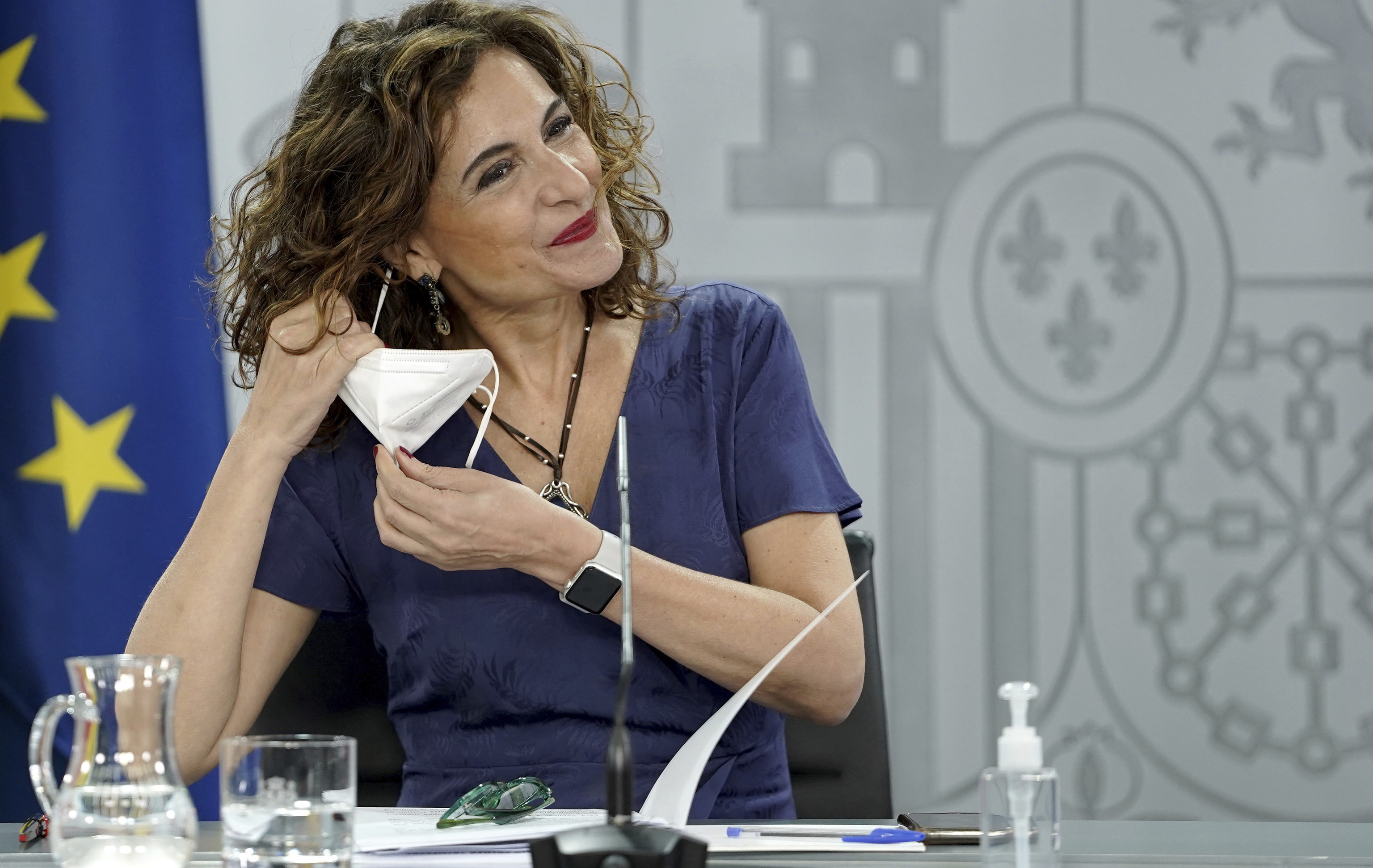 La ministra de Hacienda, María Jesús Montero, el pasado jueves en rueda de prensa en Moncloa