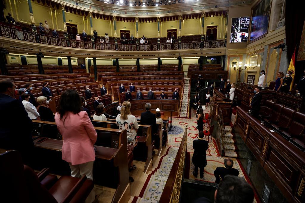 Minuto de silencio en el Congreso en recuerdo de las víctimas del terrorismo.