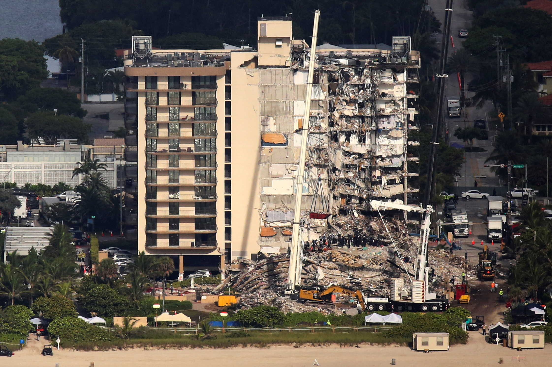 Aerial view of the building that collapsed in Miami.