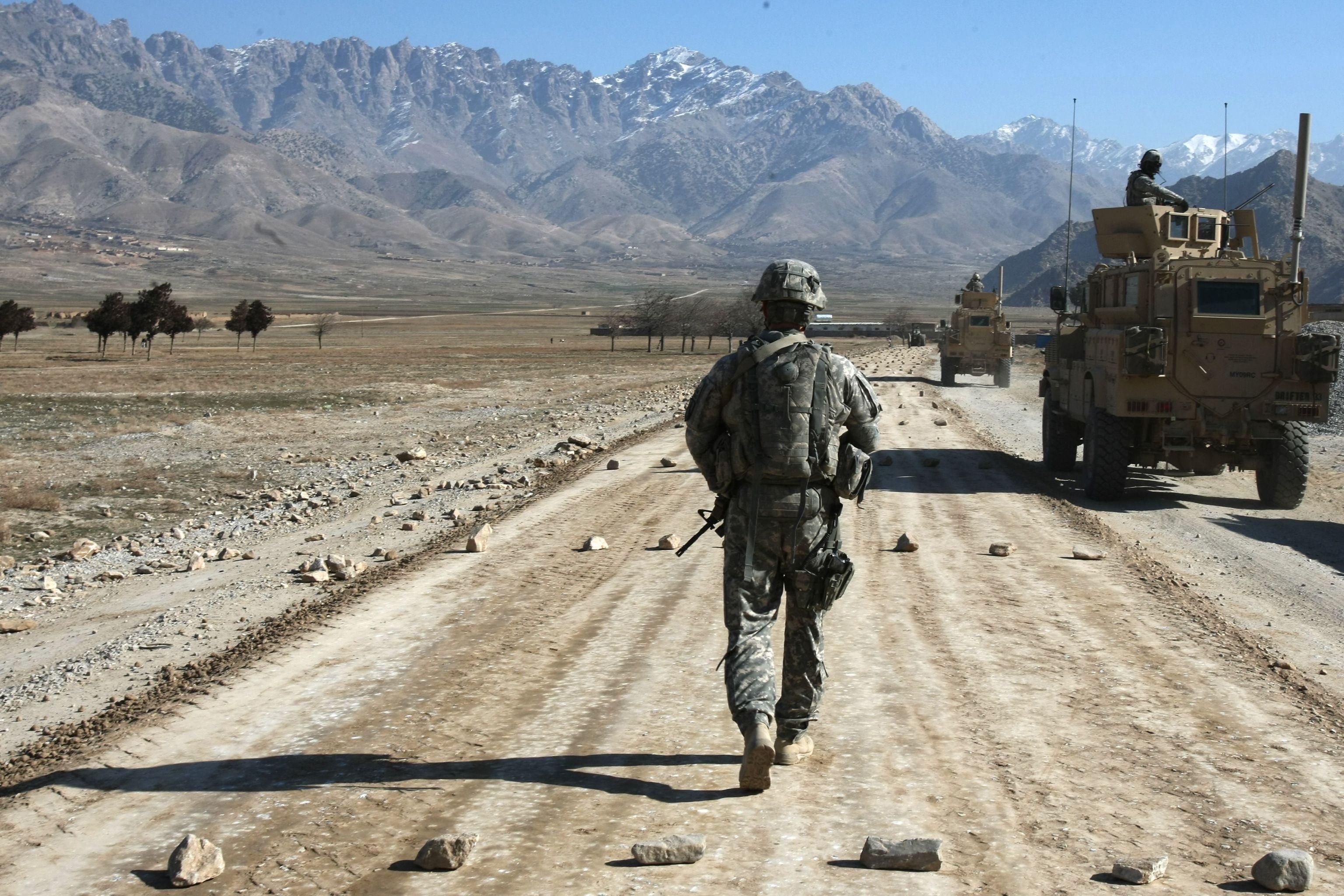 Imagen de archivo de un soldado estadounidense en un área cercana a Kabul.