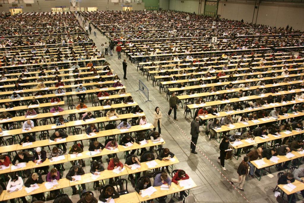 Examen de oposición para plazas de la Xunta de Galicia, en 2009 en Silleda (Pontevedra).