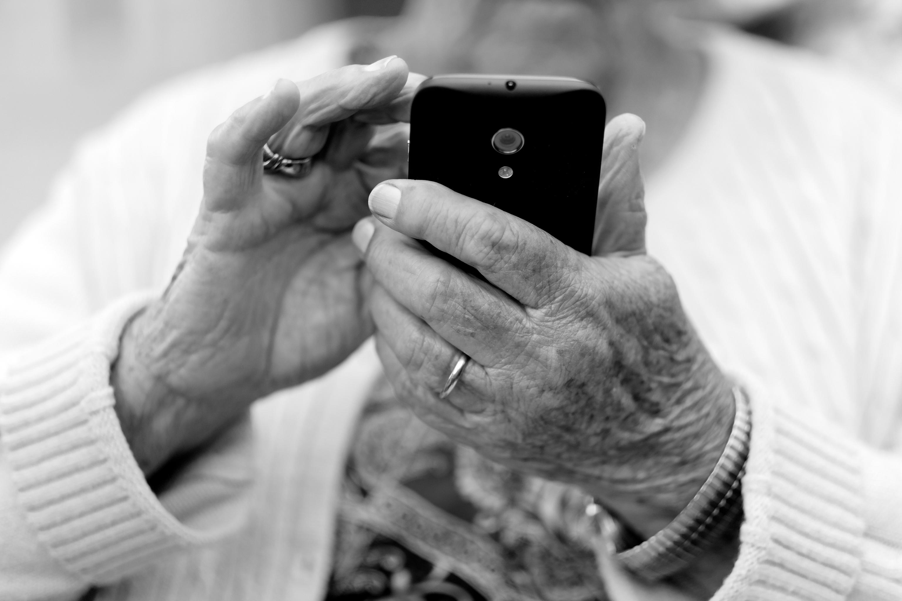 El proyecto Pioner@os de Banco Santander ha atraído a un millón de mayores de 65 años a sus plataformas.