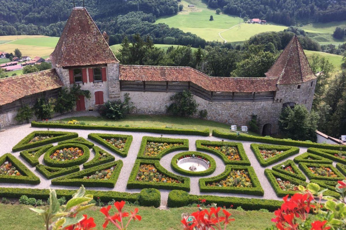 Jardines del Castillo de Gruyéres.