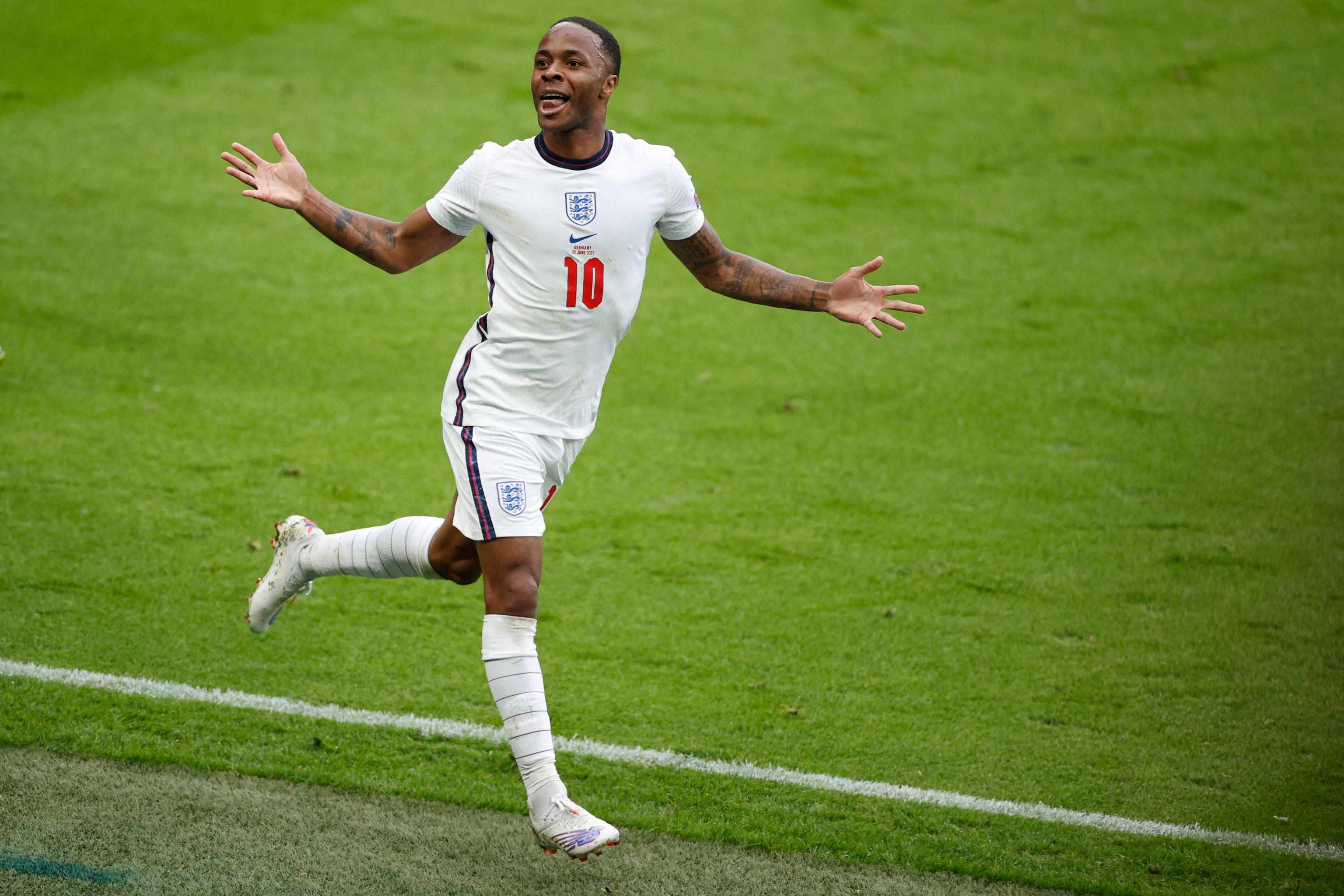Sterling celebra su gol contra Alemania