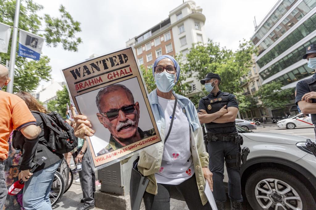 Concentración en Madrid para reclamar justicia para las victimas de Brahim Ghali.
