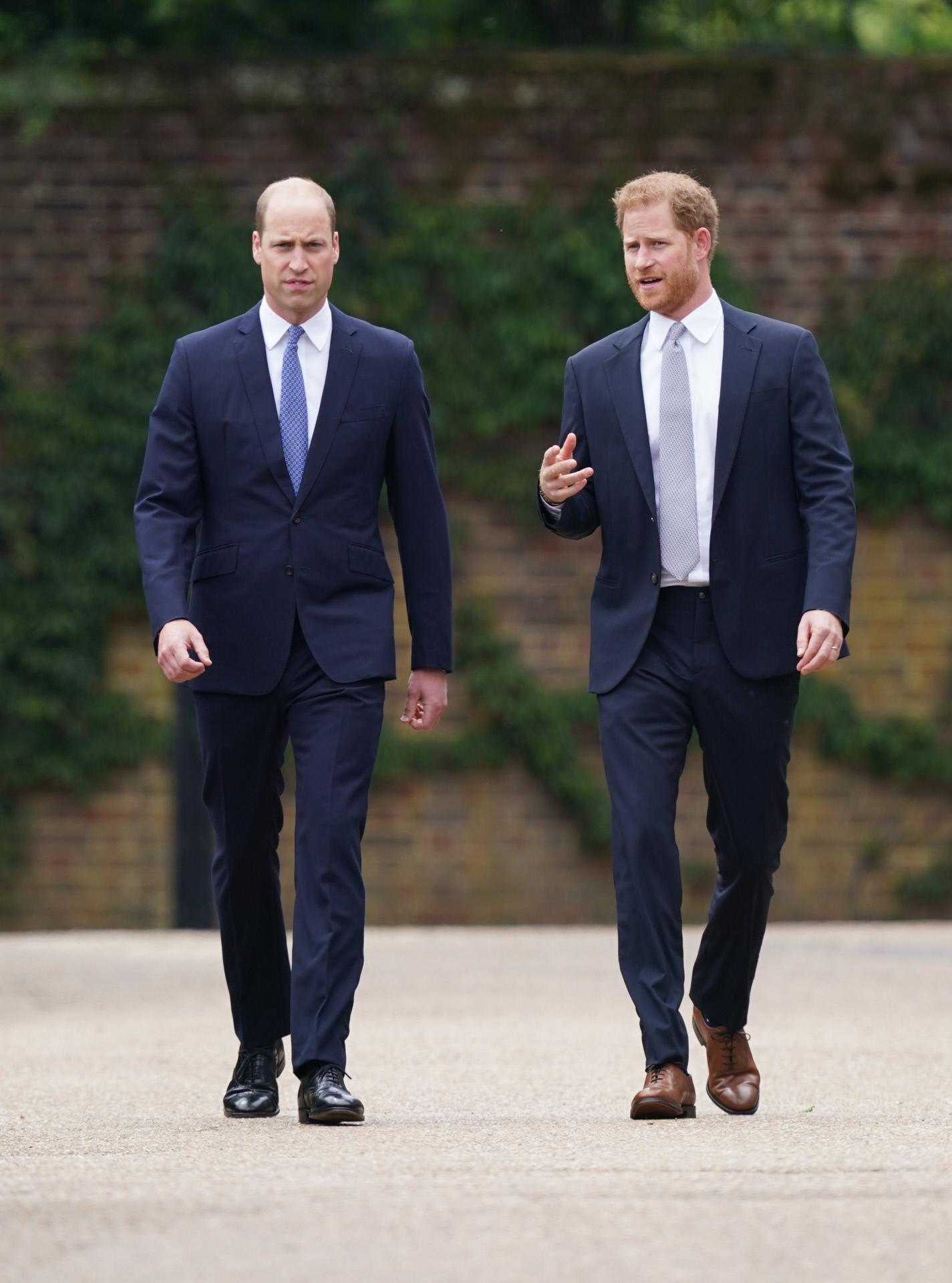 Los príncipes Guillermo y Harry, este jueves.