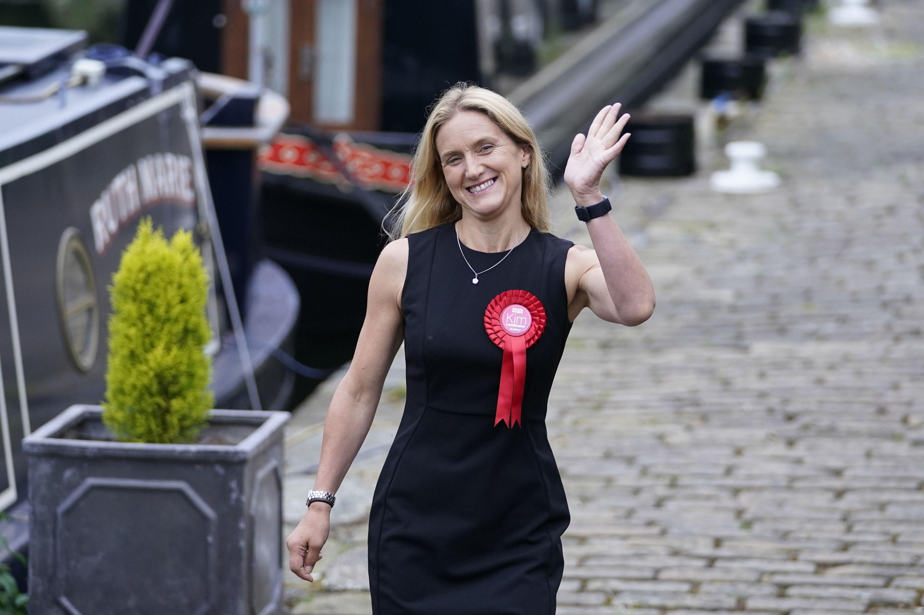 کیم لیدبیتر ، خواهر جو کاکس ، از هادرزفیلد (انگلستان).