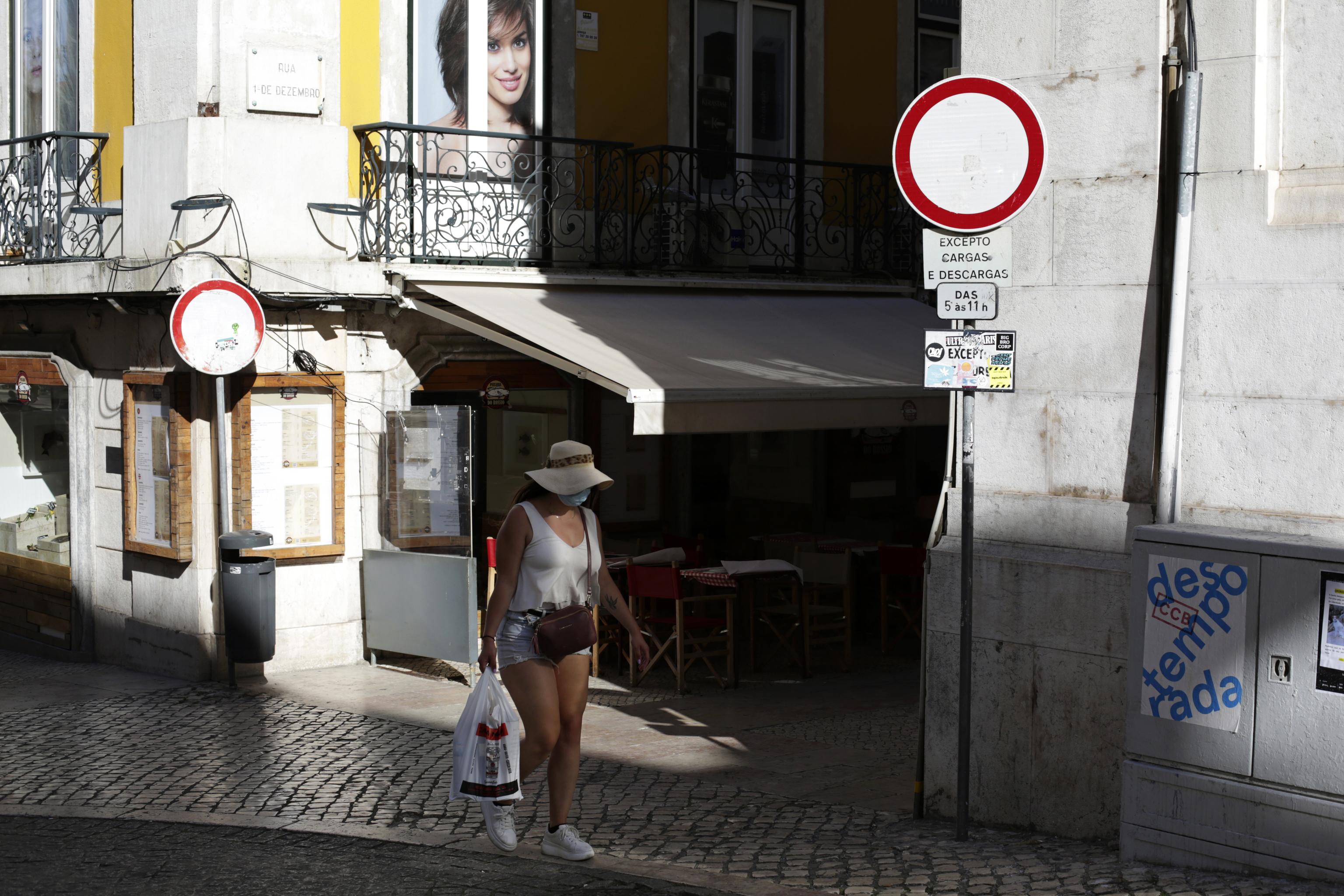 Portugal retrocede: toque de queda para frenar el aumento de casos de Covid