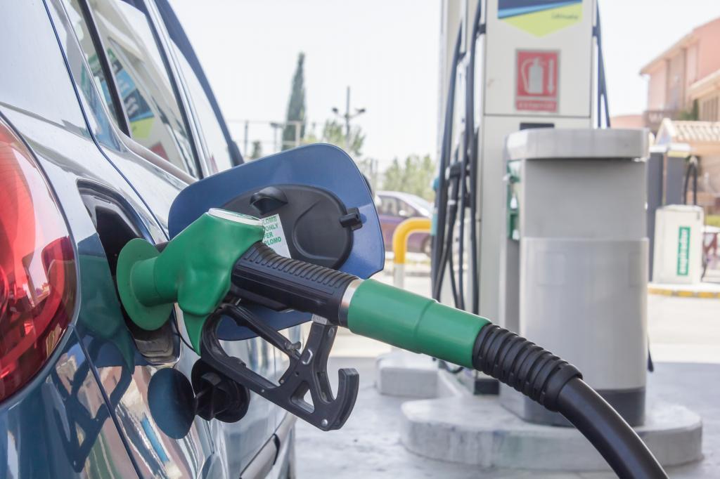 Surtidor de carburante en una gasolinera.