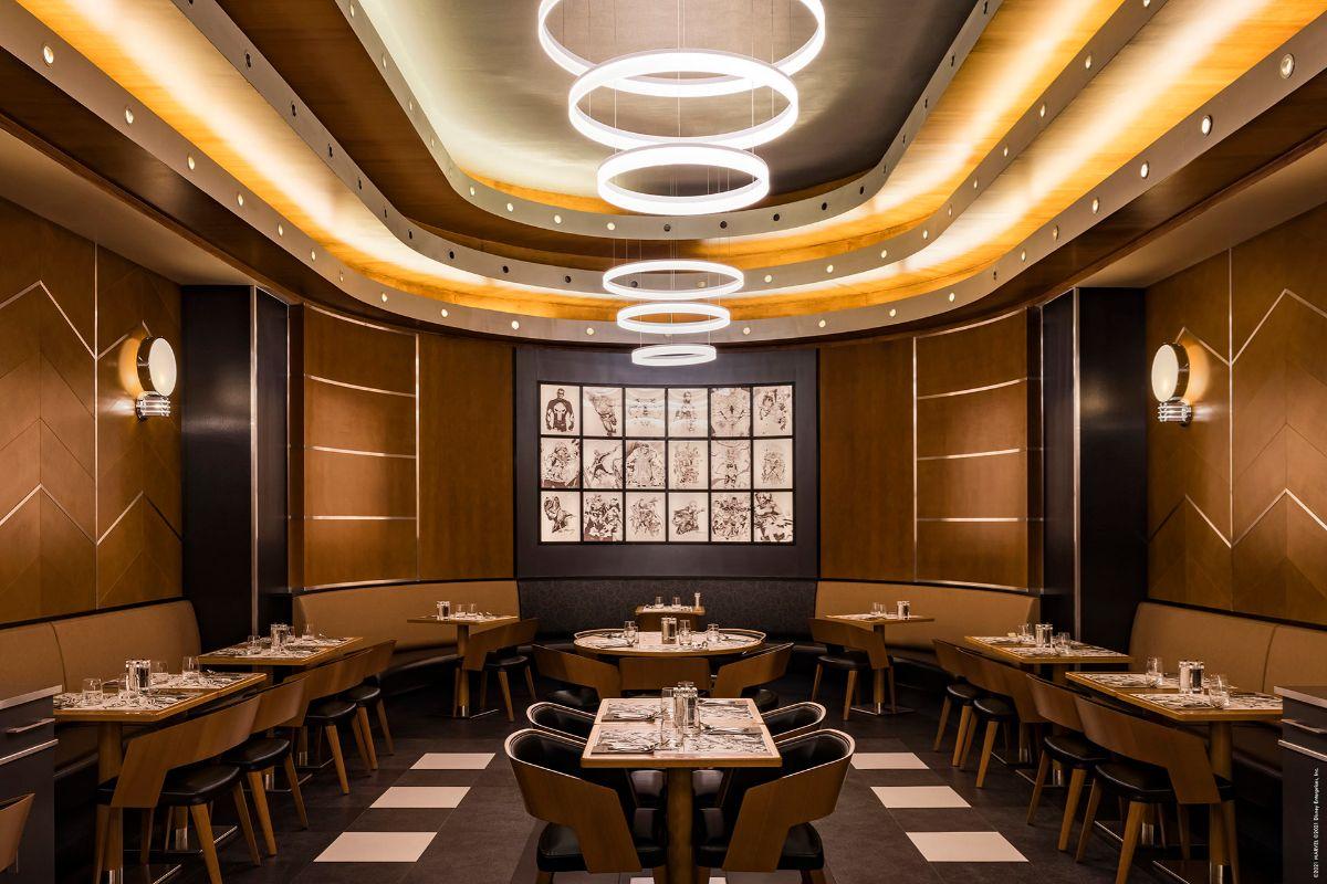 Interior del Downtown Restaurant.