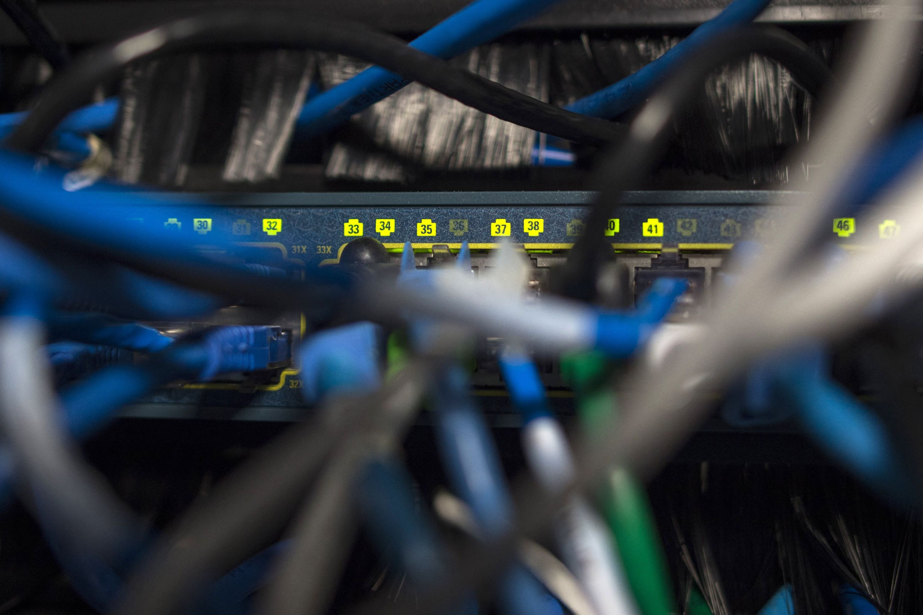Red de internet en un edificio de oficinas en Washington.