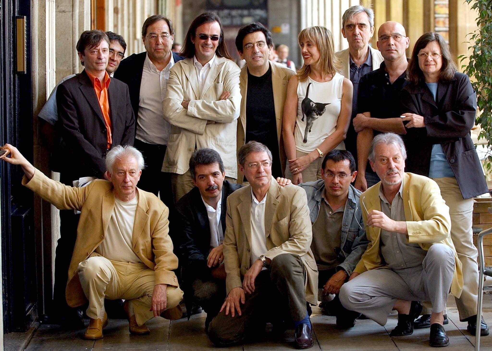 El grupo fundador de Cs