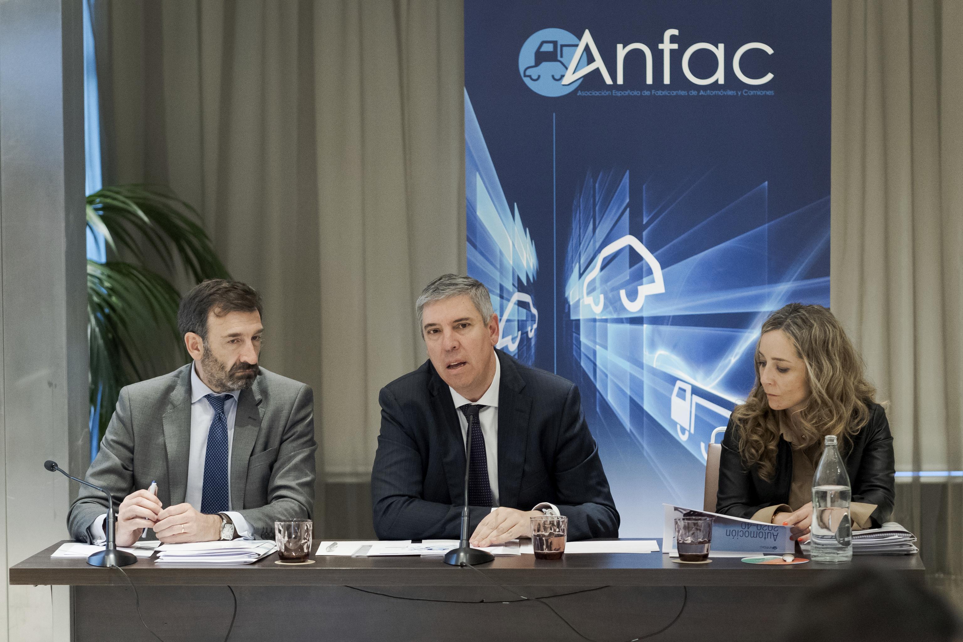 José Lopez-Tafall y José Vicente de los Mozos, director general y presidente de Anfac, respectivamente.