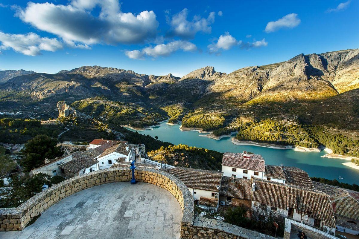 Guadalest (Alicante). Foto: Shutterstock.