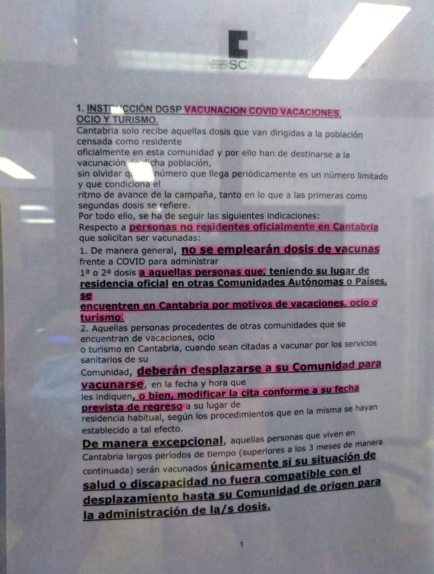 Cartel en un centro de Salud de Cantabria.